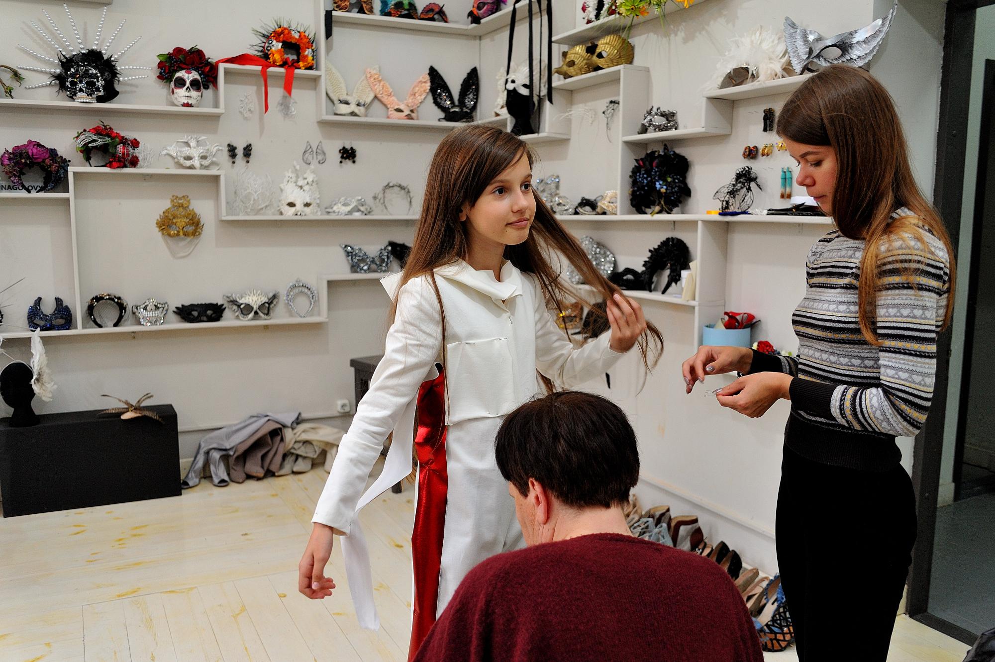 Учасниця Дитячого Євробачення-2018 приміряла костюм від дизайнерки ... 9311ac953a2f5